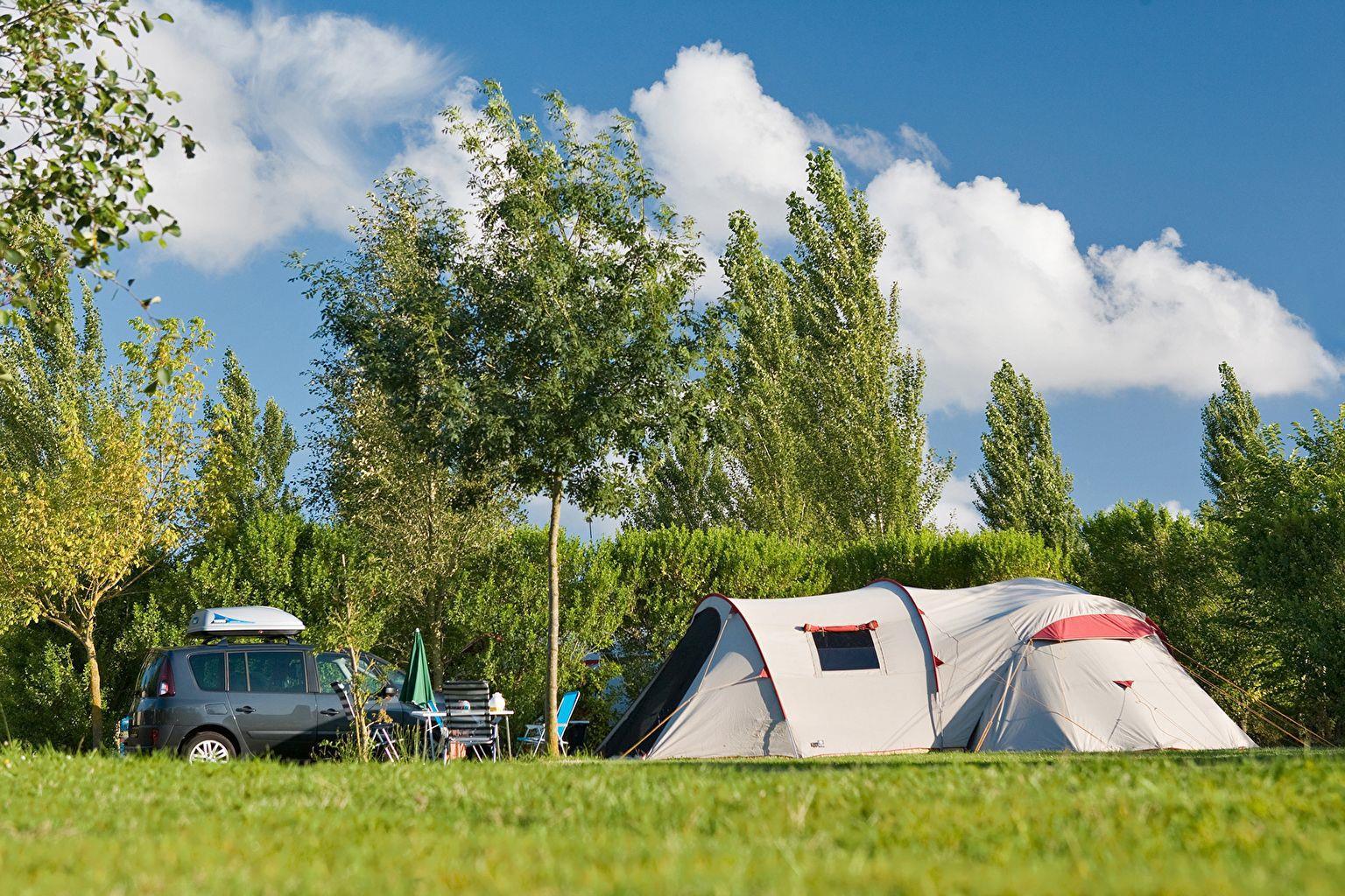 Emplacement - Forfait Classique ** - Camping Sandaya Séquoia Parc