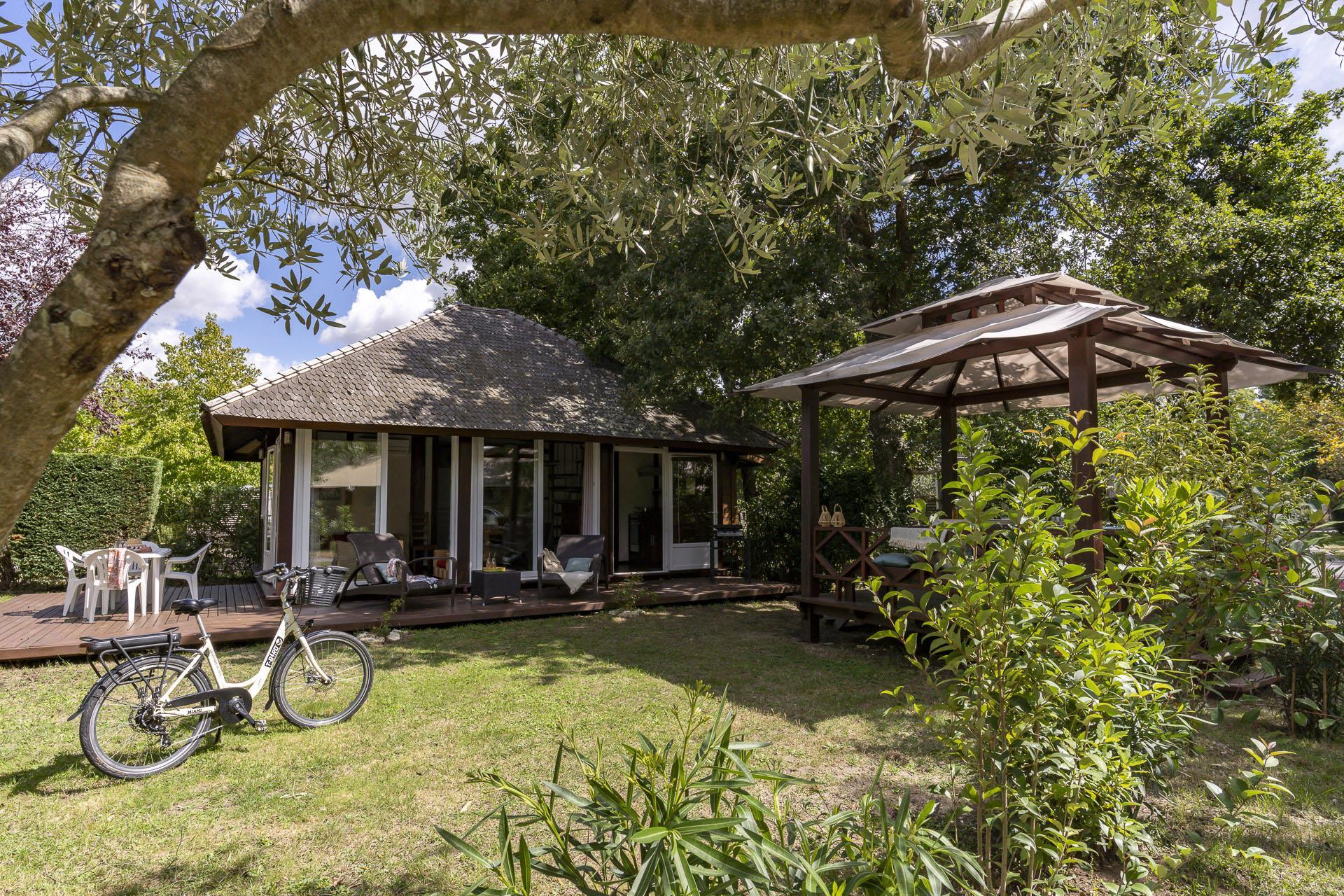Location - Chalet Bali 2 Chambres Climatisé Premium - Camping Sandaya Séquoia Parc
