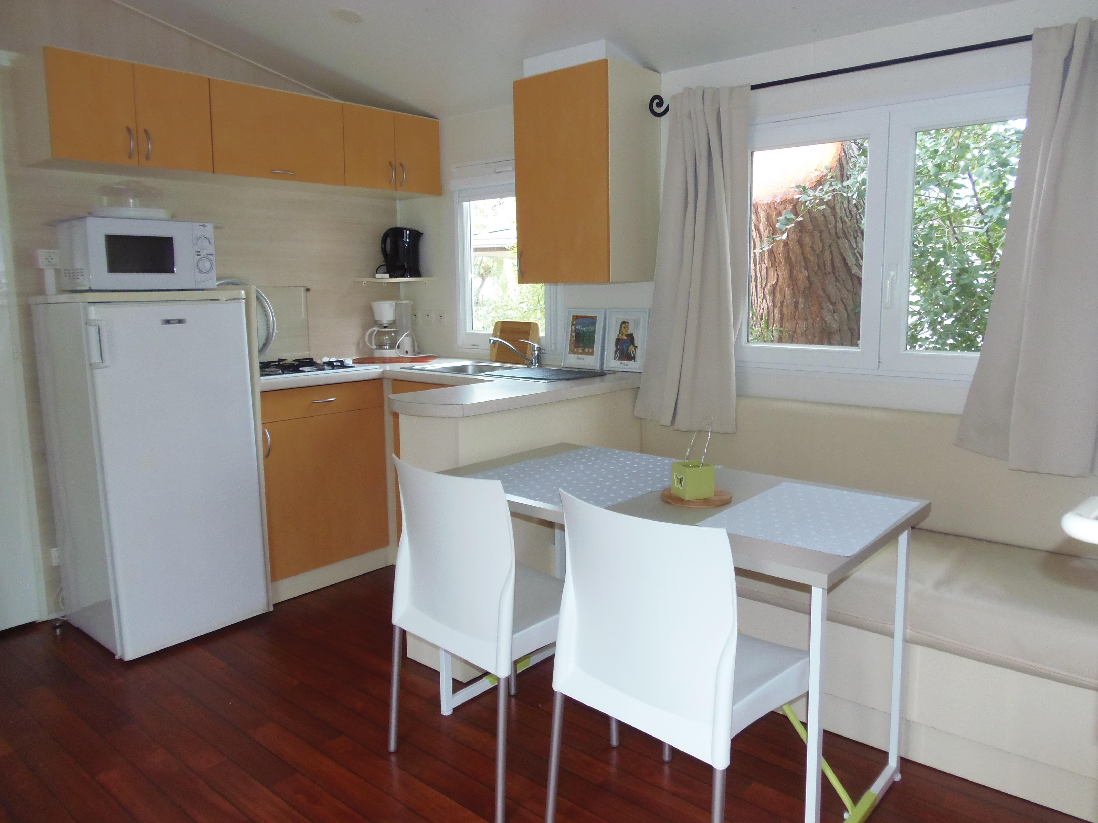Stacaravan les Lys 30 m² - 2 kamers - terras 10 m²