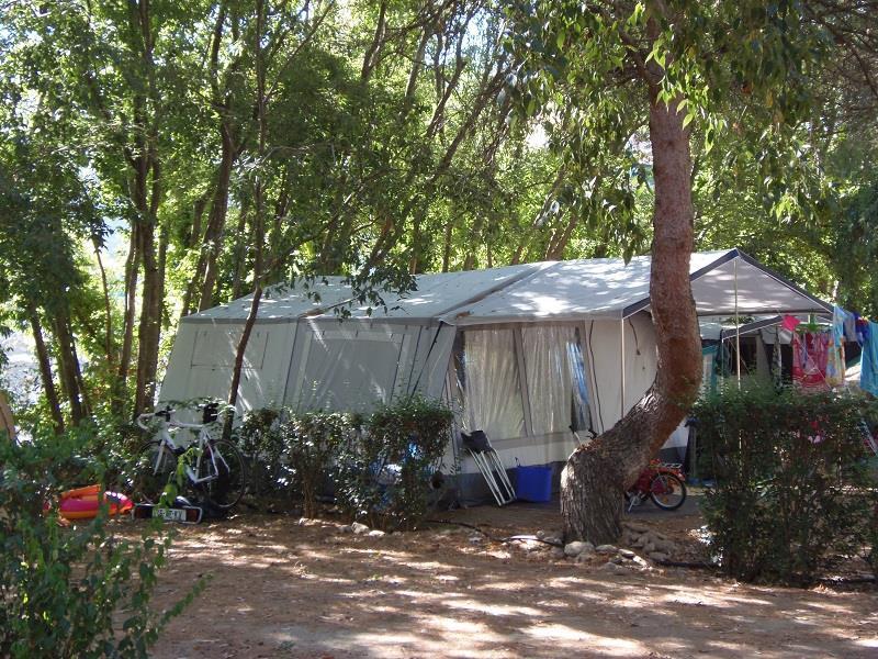 FORFAIT STANDARD  (Emplacement caravane ou tente + 1 voiture)