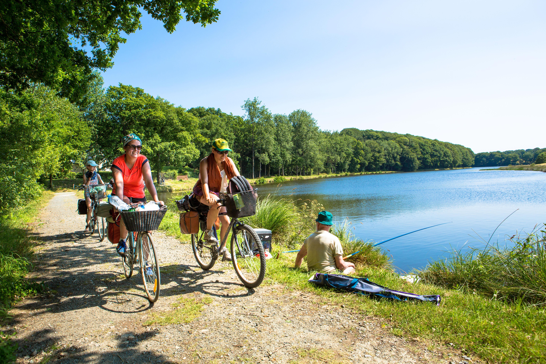 Camping le Bocage, Jugon-les-Lacs, Côtes-d'Armor