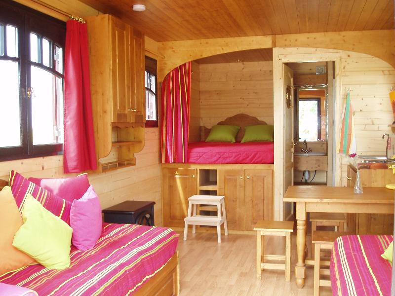 Camping Domaine de la Chaux de Revel, Saint-Martin-Valmeroux, Cantal