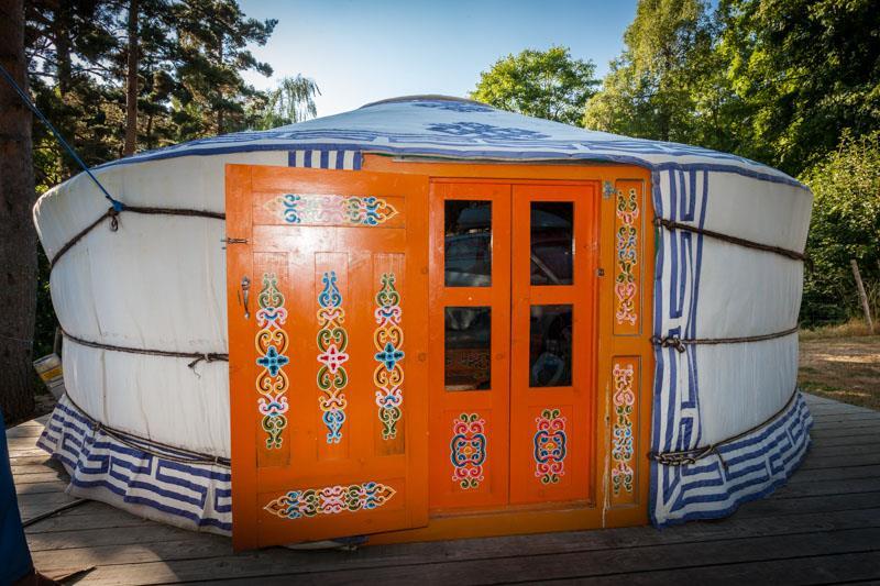 Location - Yourte Traditionnelle Mongole De 20M² + Terrasse - Camping du Pont de Braye