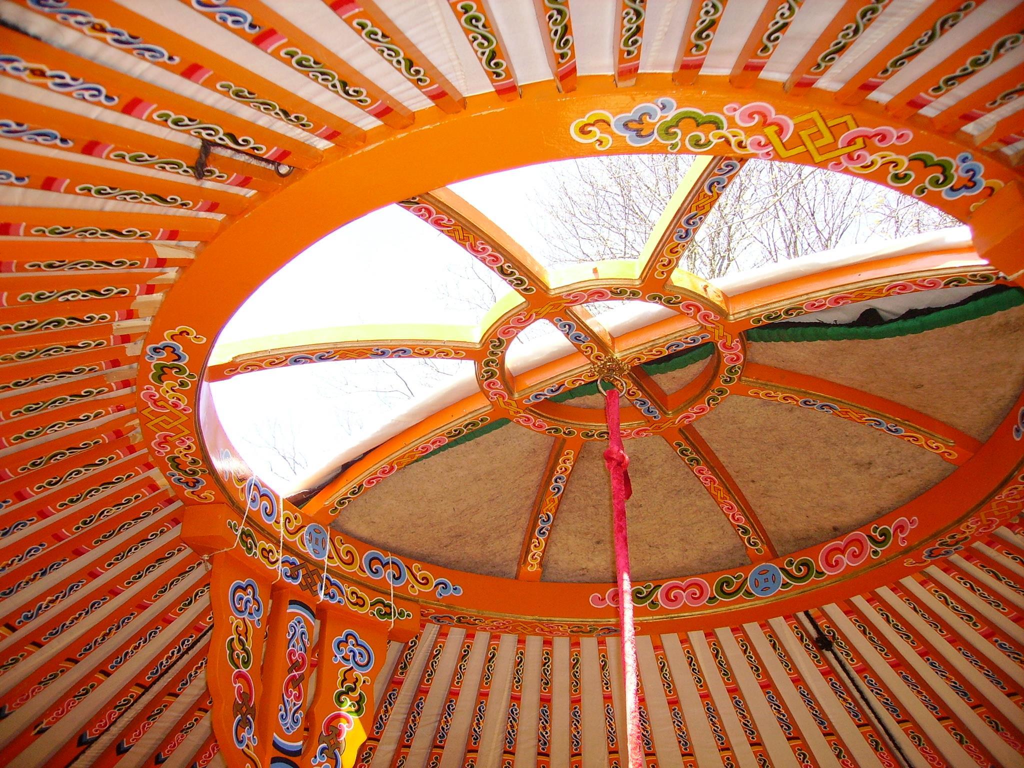 Location - Yourte Traditionnelle Mongole De 27M² + Terrasse - Camping du Pont de Braye