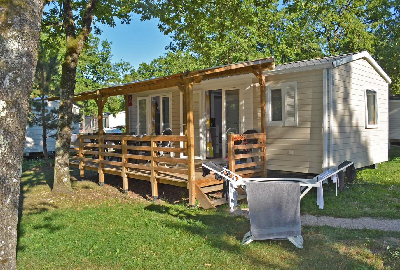 Accommodation - Mobile Home Edelweiss (5-10Y.Old) 31M²  - Covered Terrace 15M² (2 Bedrooms) - Camping Saint Disdille