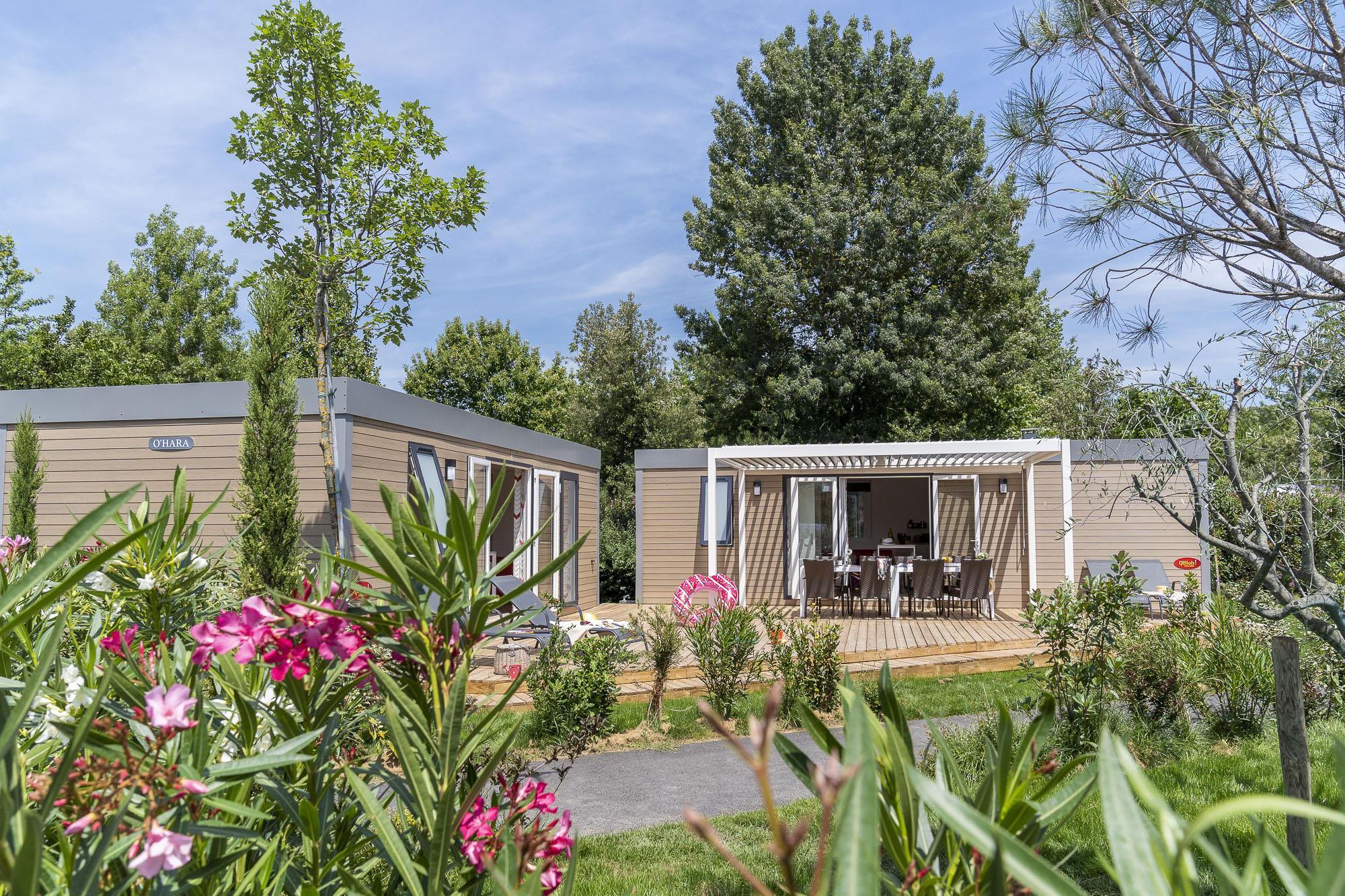 Location - Cottage Tribu **** 5 Chambres / 2 Salles De Bain - Terrasse - Climatisé - Yelloh! Village Soleil Vivarais