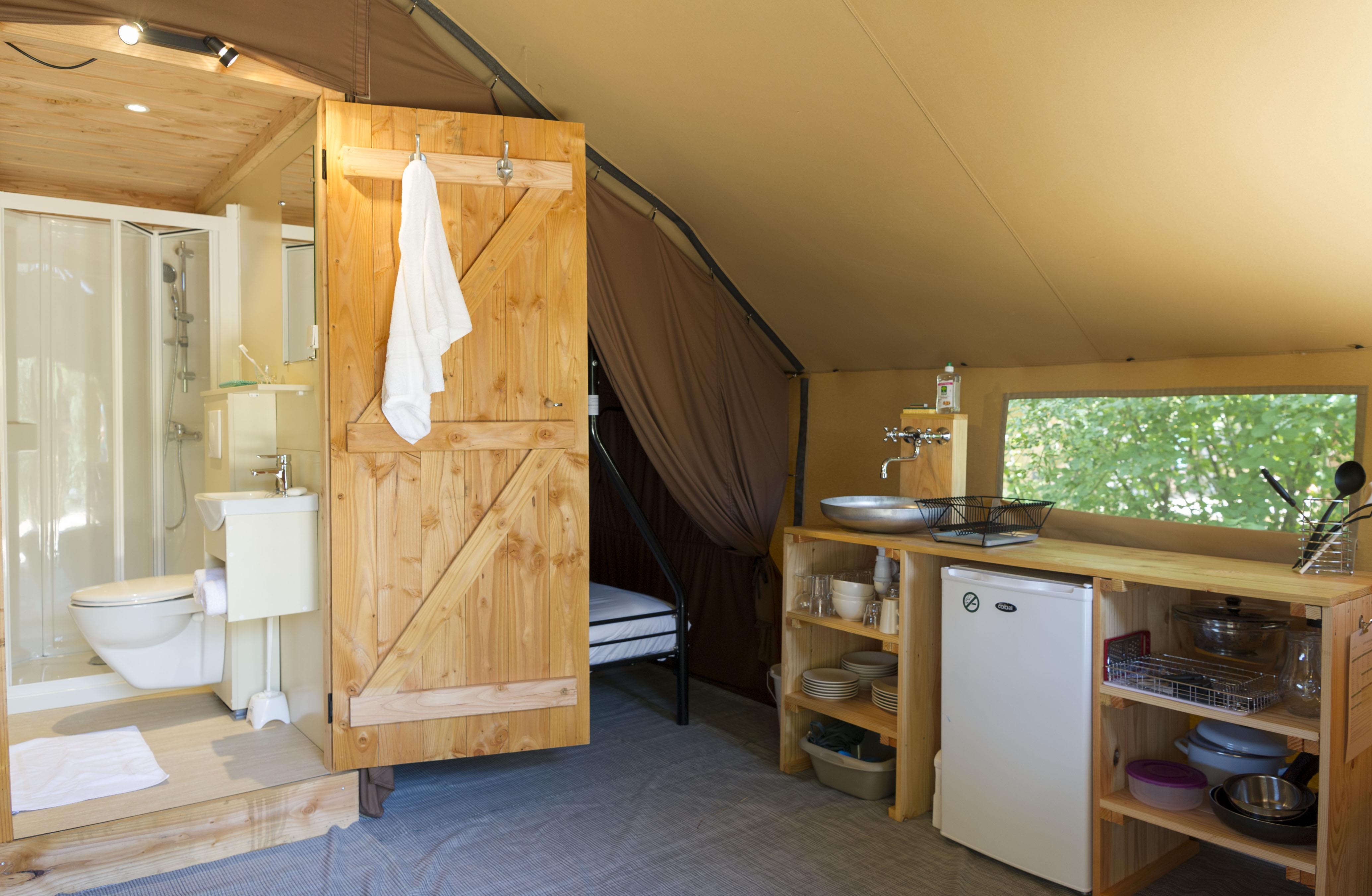 Location - Tente Trappeur Ii - Camping La Pinède