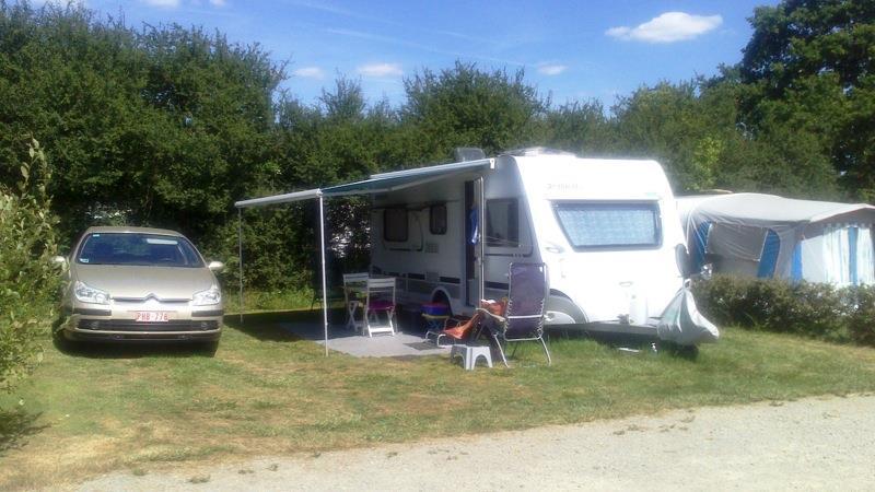 Forfait B (1 tente, caravane ou camping-car / 1 voiture / électricité 6A)