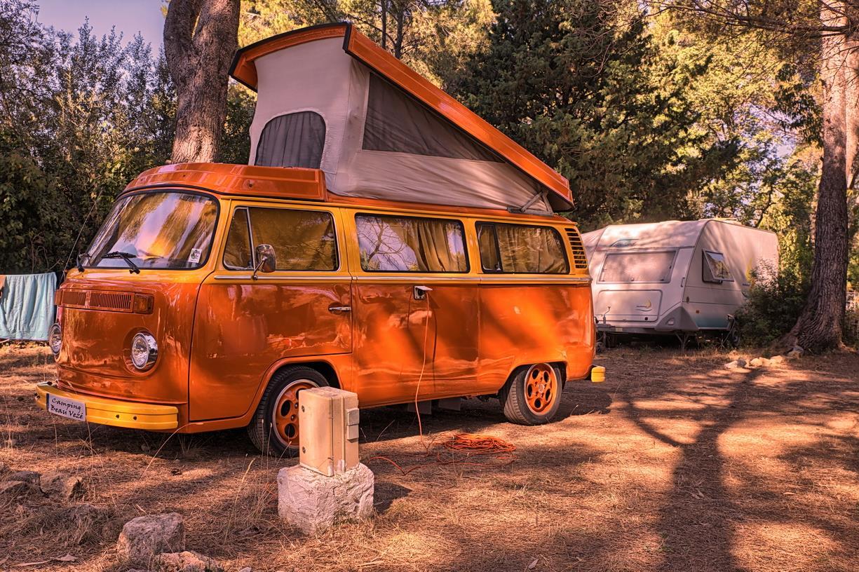 Emplacement - Forfait Nature : Emplacement   Voiture   1 Tente, Caravane Ou Camping-Car - Camping Le Beau Vezé