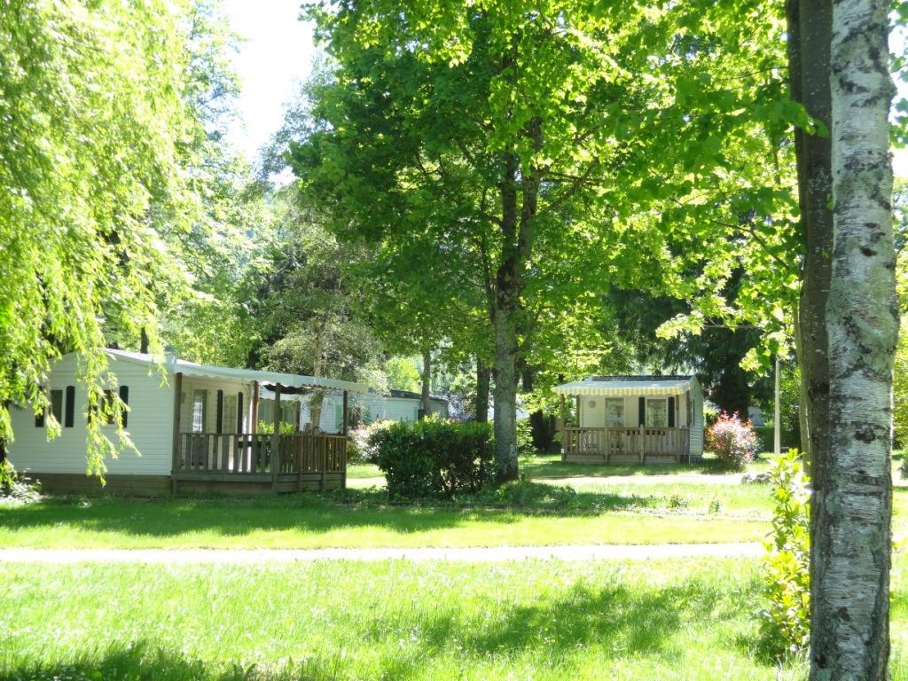 Location - Mobil-Home Confort Mont Rouch Avec Terrasse Couverte - Camping Le Haut Salat