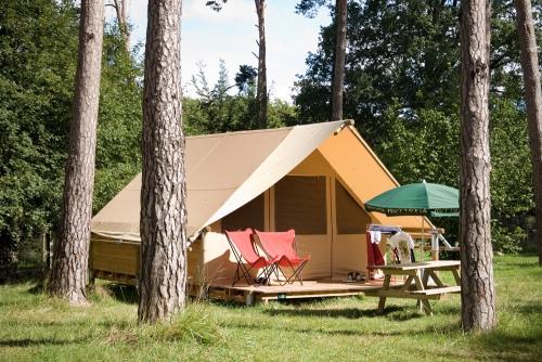 Location - Tente Canadienne - Huttopia Rambouillet