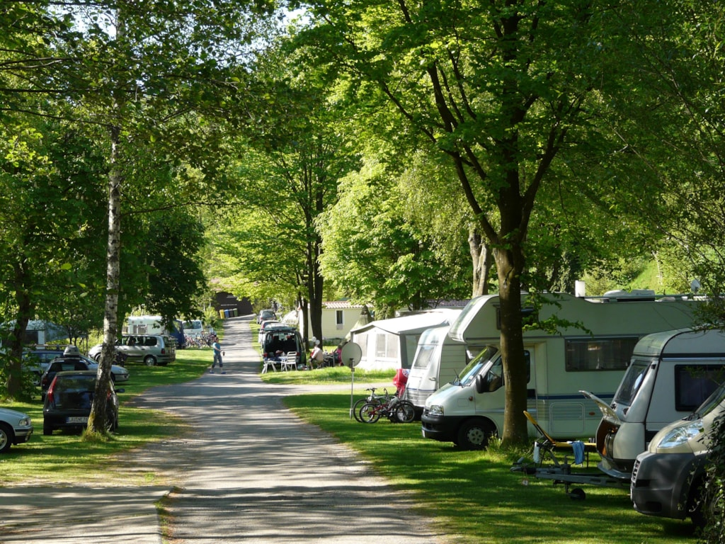 Stellplatz Caravan-/Zelt-Pkw, Wohnmobil Inkl. 1 Erwachsener