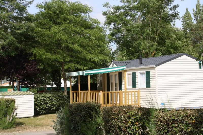 Mobil-Home Terrasse Bois couverte avec TV