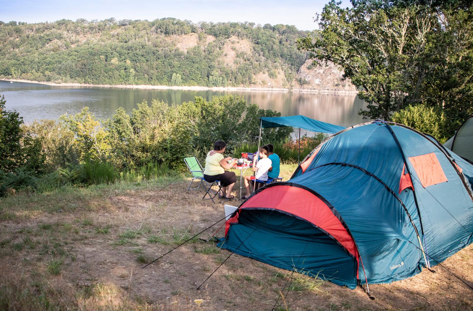 Camping le Lac de la Siauve, Lanobre, Cantal