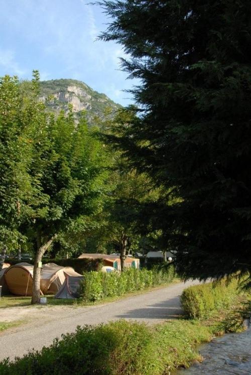 Camping des Grottes, Alliat, Ariège