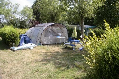 Emplacement - Emplacement De Camping: Tente/Caravane/Camping-Car.Les Personnes Et Autres Prestations Sont En Supp. - Camping de la Plage