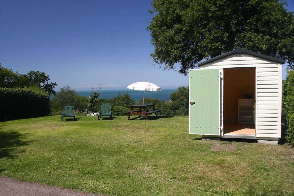 Emplacement - Emplacement Premium (Electricité 16 A - Eau + Services ) - Vue Mer - Camping L'Anse du Brick