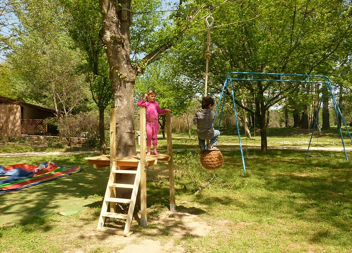 Camping le Peyrolais, Saint-Julien-de-Peyrolas, Gard