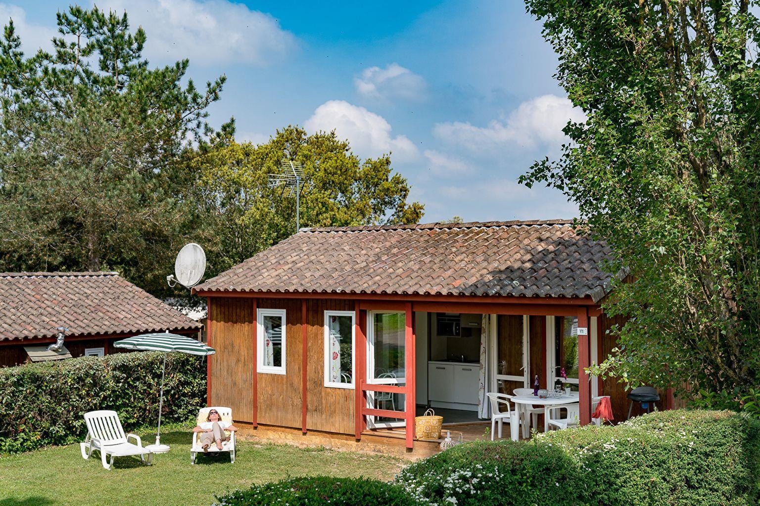 Location - Chalet Castelnaud 2 Chambres *** - Camping Sandaya Les Péneyrals