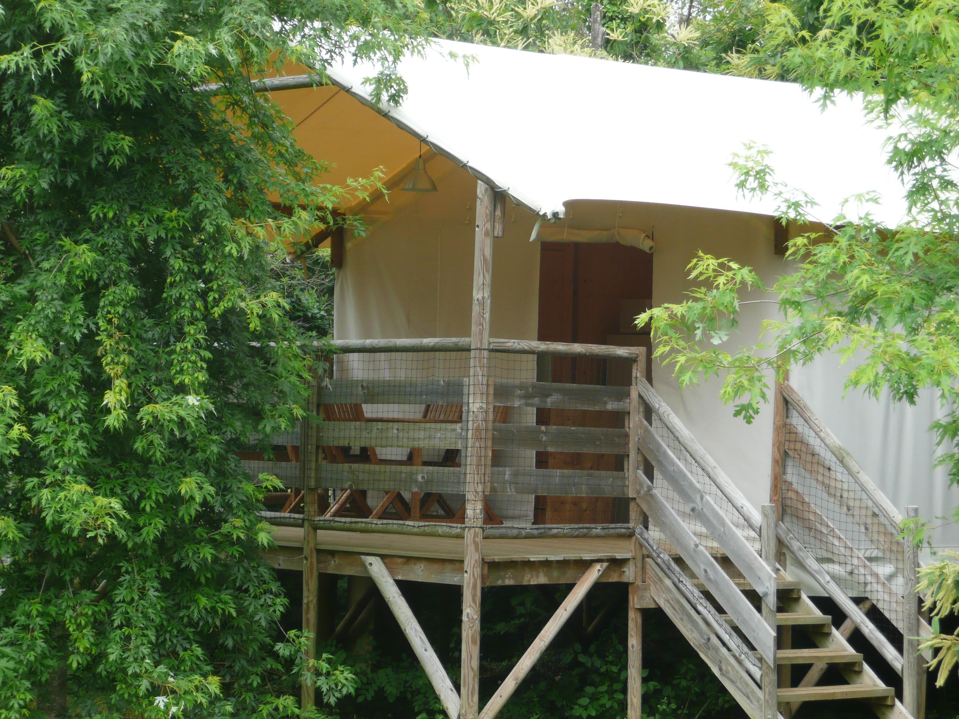 Location - Cabane Lodge, 2 Chambres - Camping Les Charmes