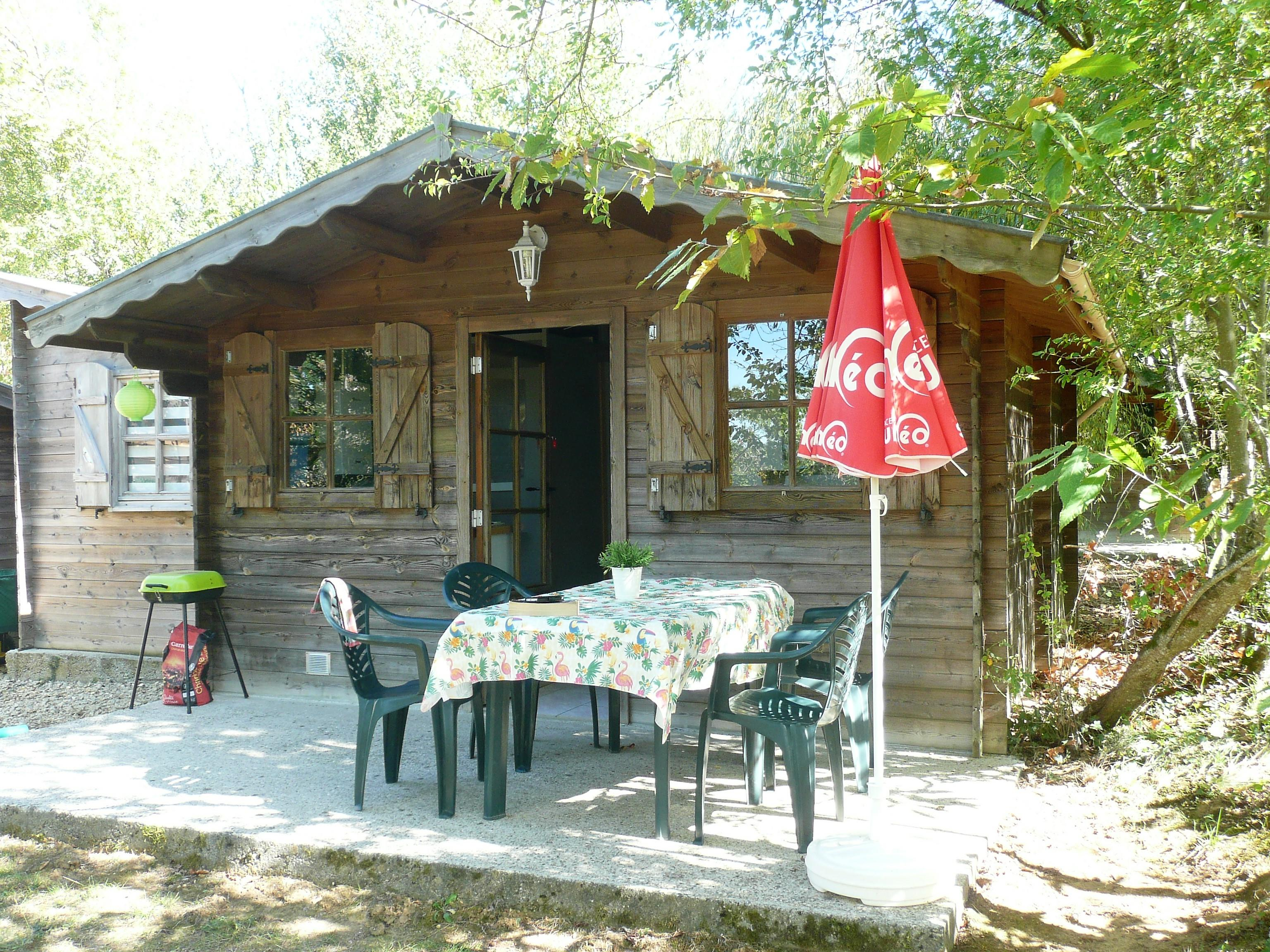 Location - Petit Chalet, 2 Chambres - Camping Les Charmes