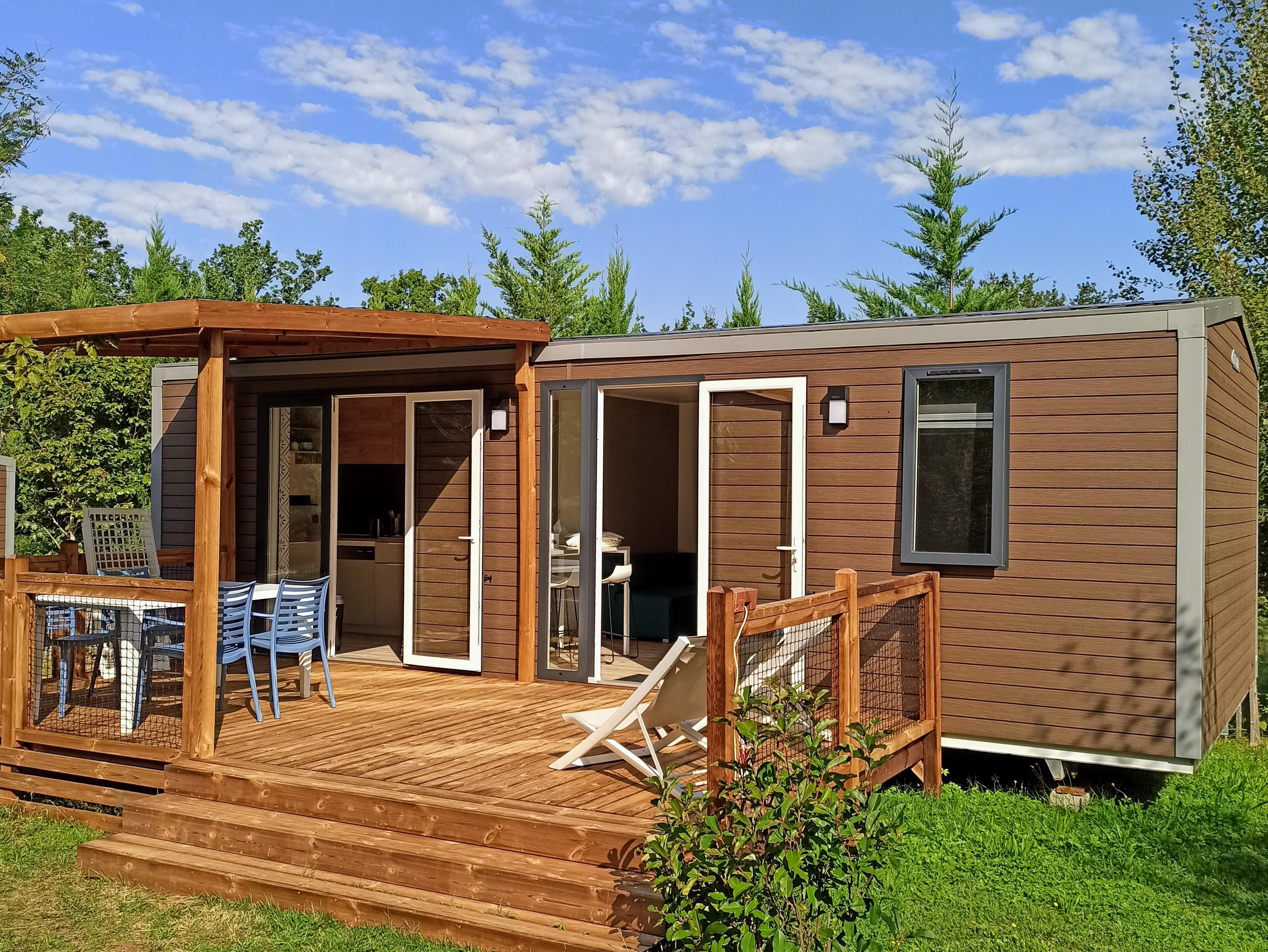 Location - Premium, 2 Chambres - Camping Les Charmes