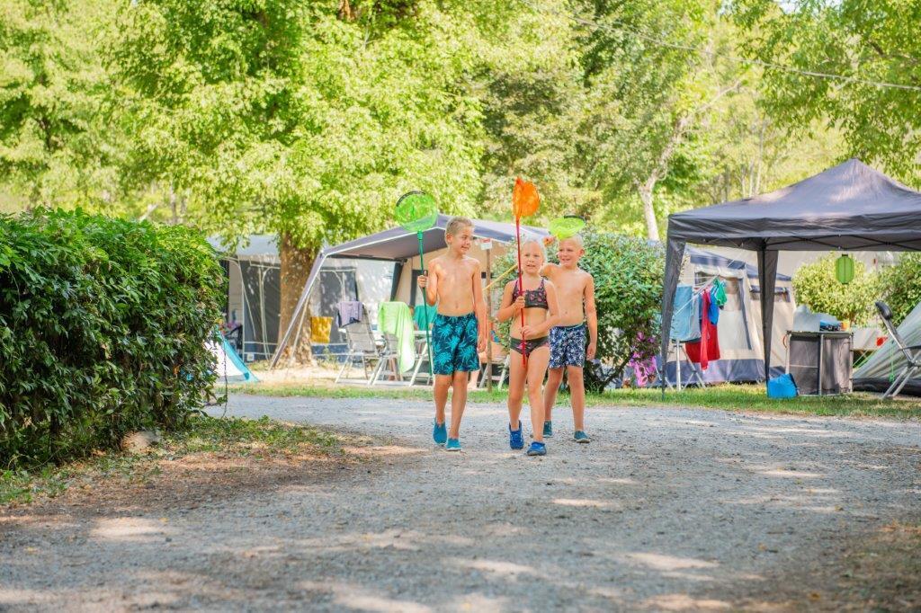 Emplacement - Emplacement Camping Avec 2 Pers, Electricité Et Voiture Compris - RCN Vakantiepark La Bastide en Ardèche