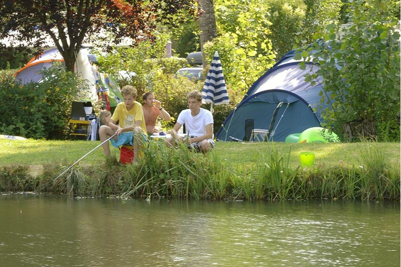 Emplacement - Emplacement Camping Avec 2 Pers, Electricité Et Voiture Compris - RCN Vakantiepark Le Moulin de la Pique