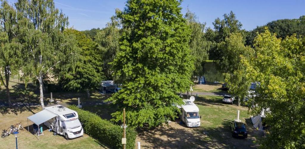 Emplacement - Forfait Nature, Sans Électricité - Camping des Halles