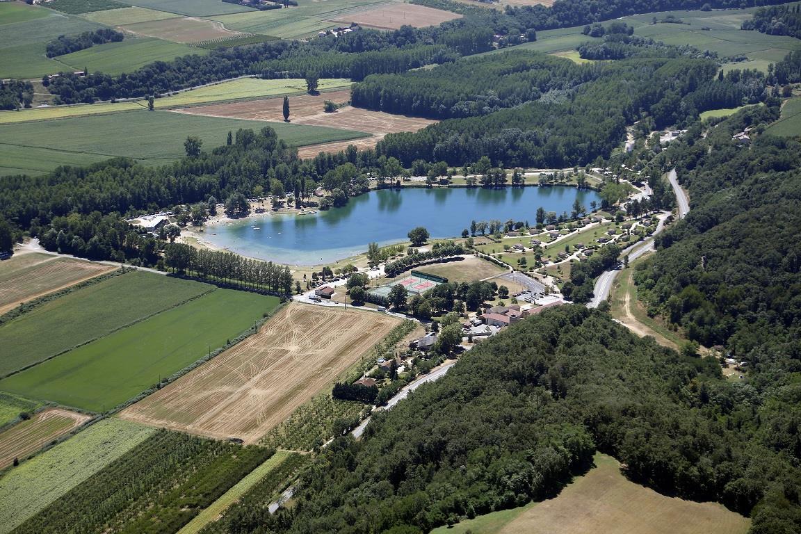 Camping Domaine du Lac de Champos, Saint-Donat-Drôme-des-Collines, Drôme