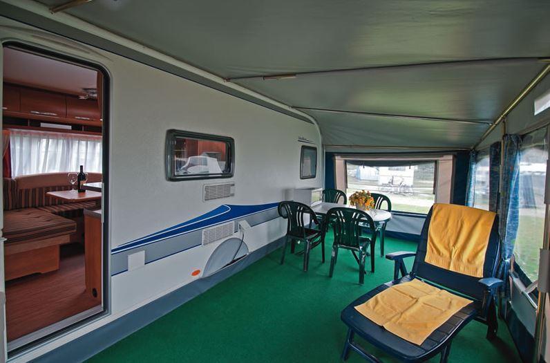 Location - Caravane Cat. 0+, 2 Adultes + 3 Enfants Ou 4 Adultes - Camping- und Ferienpark Wulfener Hals-Fehmarn