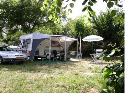 Pitch - Package Pitch Tent /Caravan, Car + 10 A - Camping Les Arches