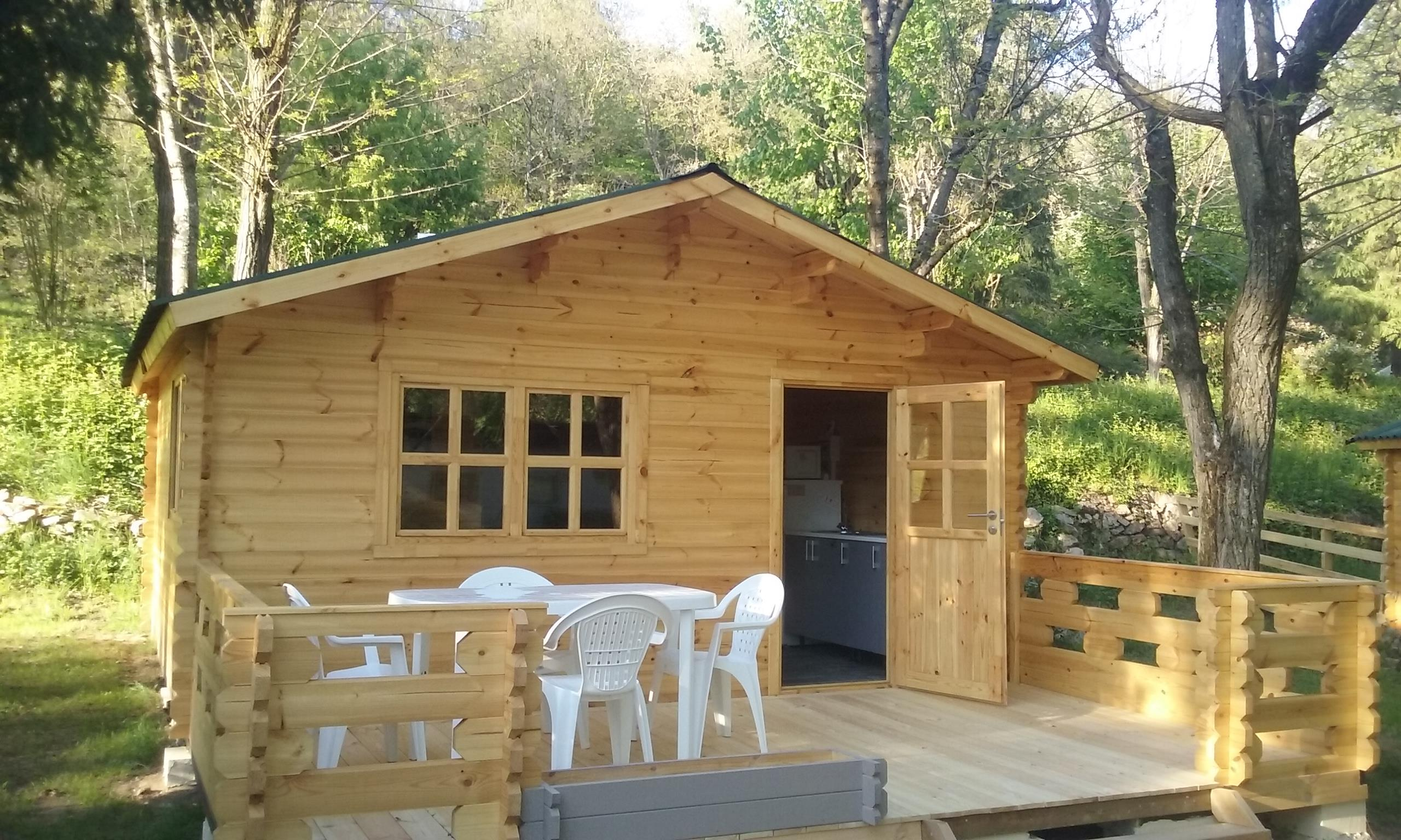 Accommodation - Wooden Chalet - Camping Les Berges Du Doux