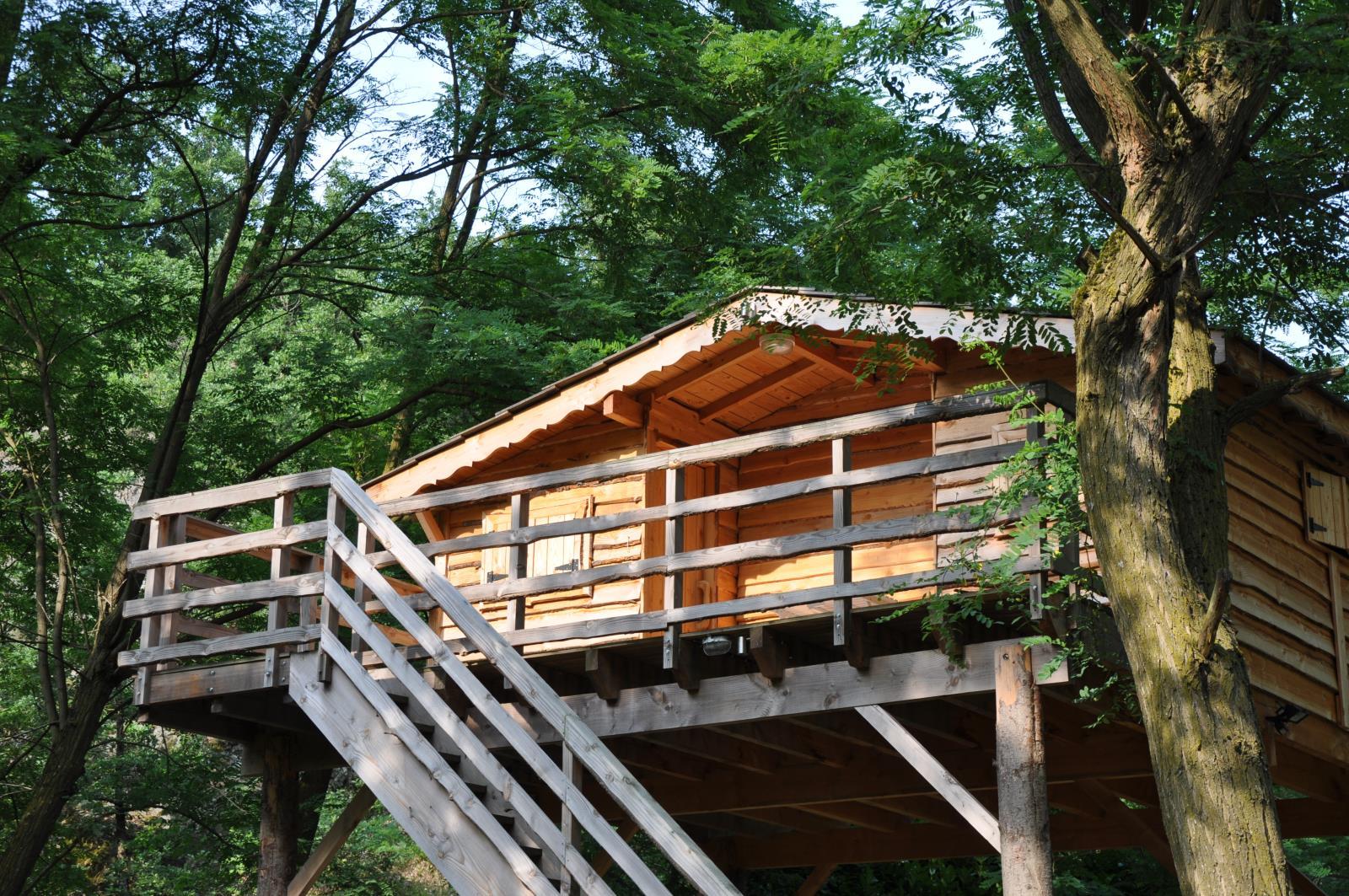 Location - Cabane Perchée - Camping Le Viaduc