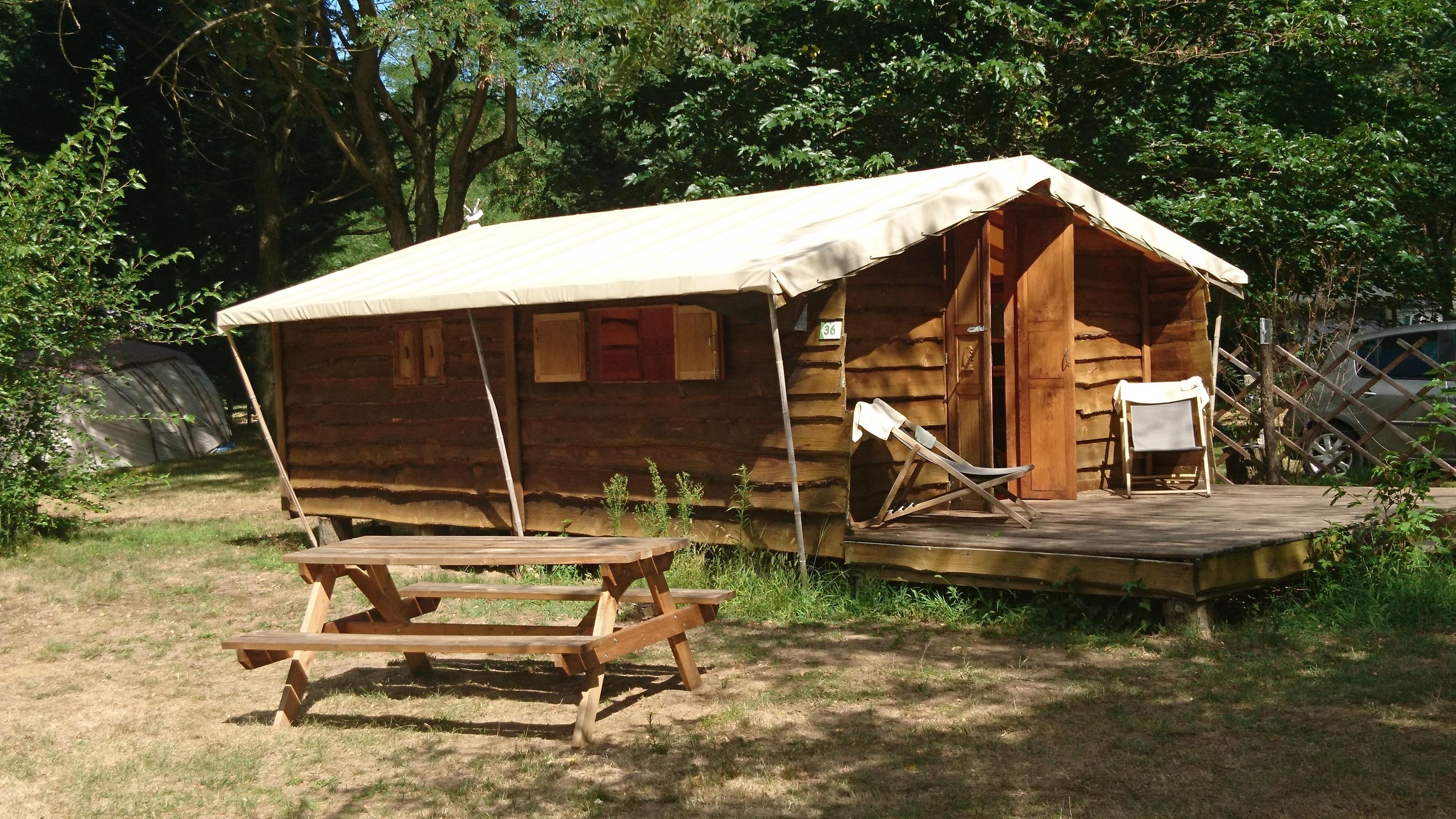 Location - Cabane Trappeur - Camping Le Viaduc