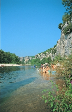 Baignade Camping La Source - Berrias-Et-Casteljau