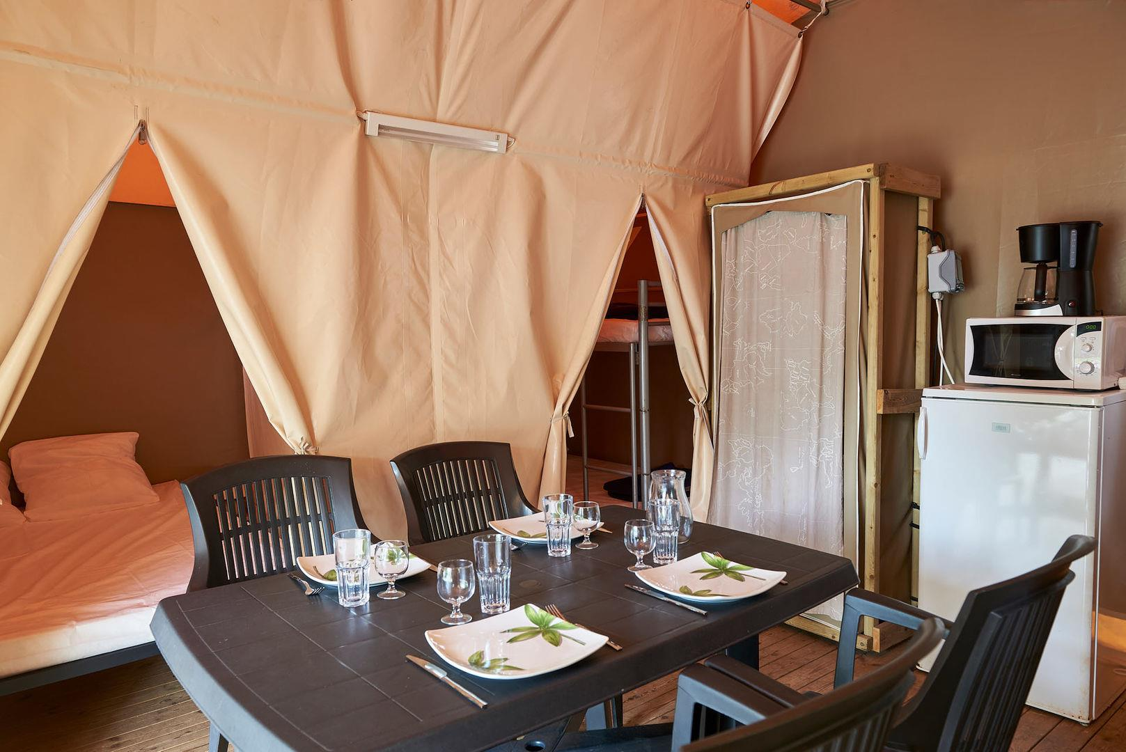 Accommodation - Furnished Tents 15M² - Camping Rives d'Arc