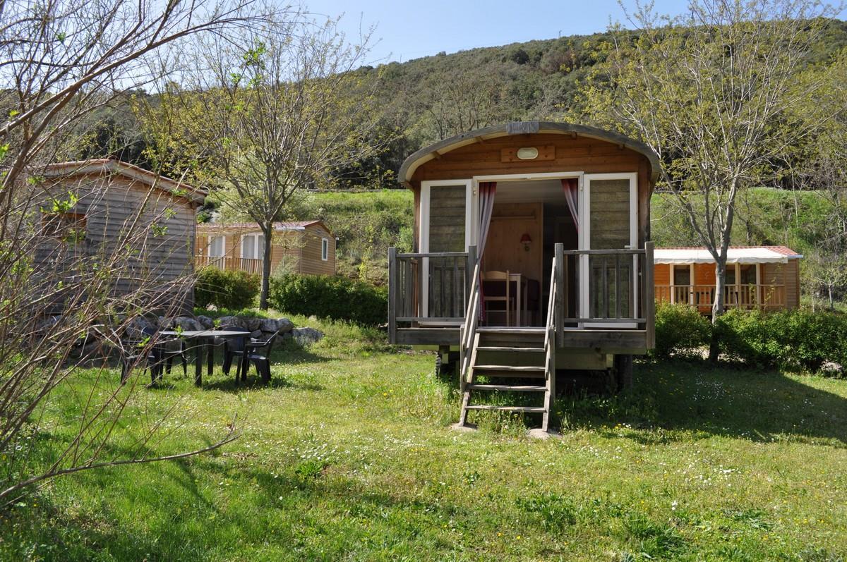 Location - La Roulotte 2 Chambres - Camping Les Cerisiers du Jaur