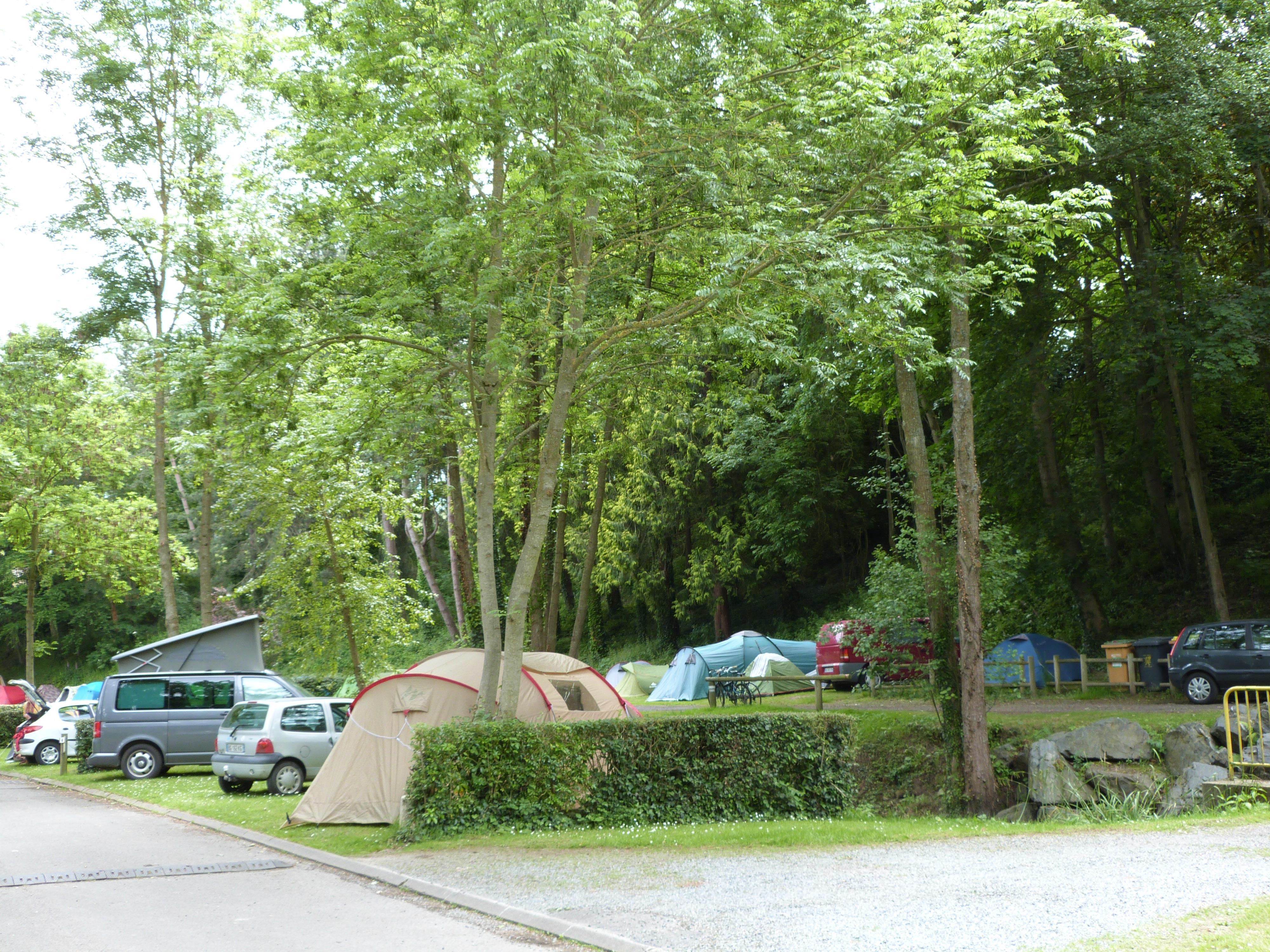Emplacement - Forfait Nature (1 Tente, Caravane  / 1 Voiture) - Camping des Vallées