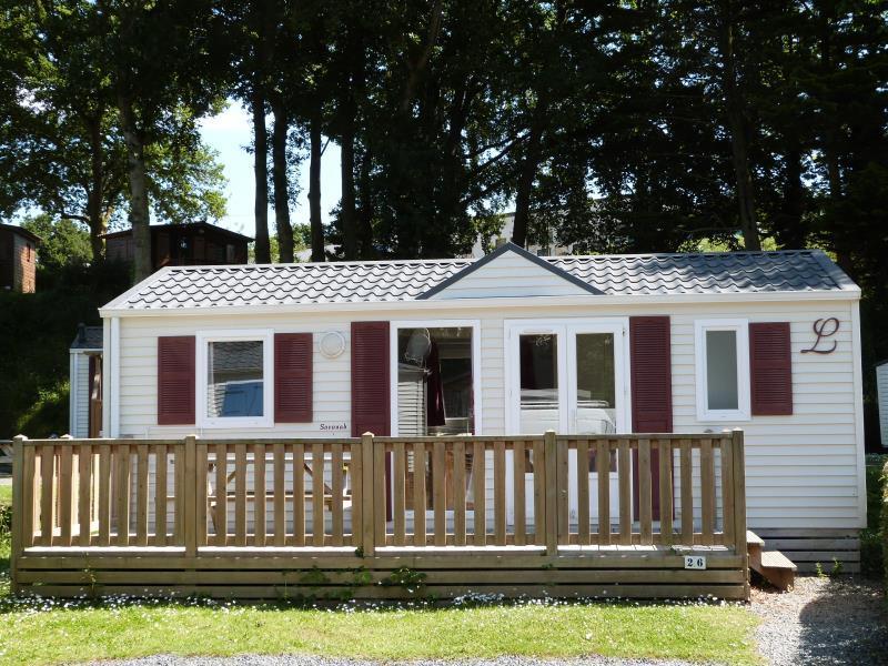 Location - Special Ete: À Partir De 3 Nuits - Mobil-Home Confort 29M² - 2 Chambres + Terrasse - Camping des Vallées