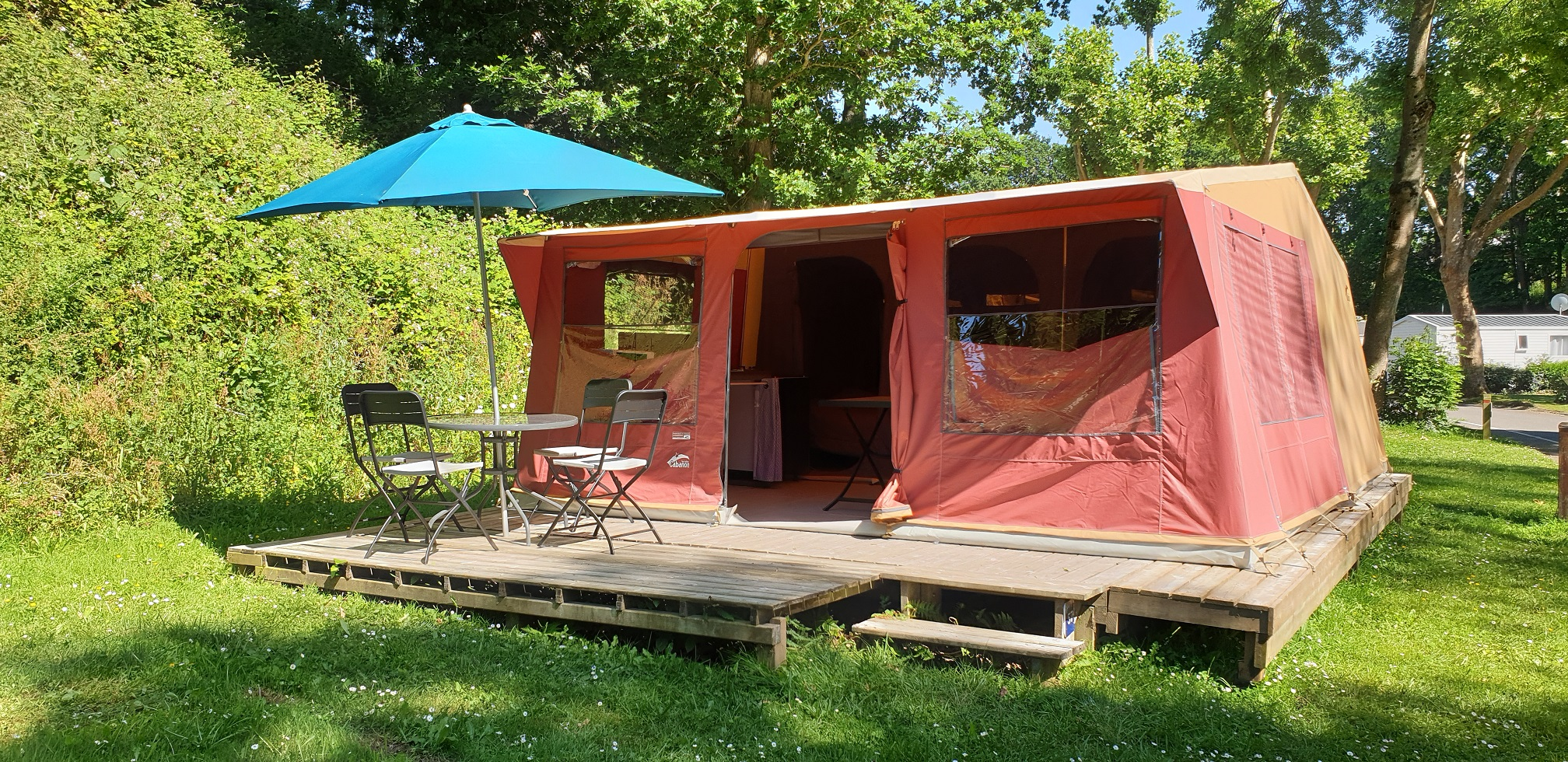 Location - Bungalow  Evasion Toilé Standard 26M² / 2 Chambres - Terrasse (Sans Sanitaires) - Camping des Vallées
