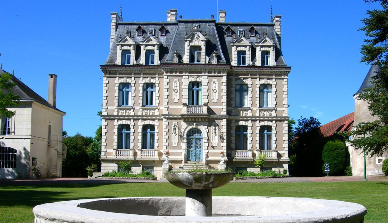 Camping du Château de la Rolandière, Trogues, Indre-et-Loire