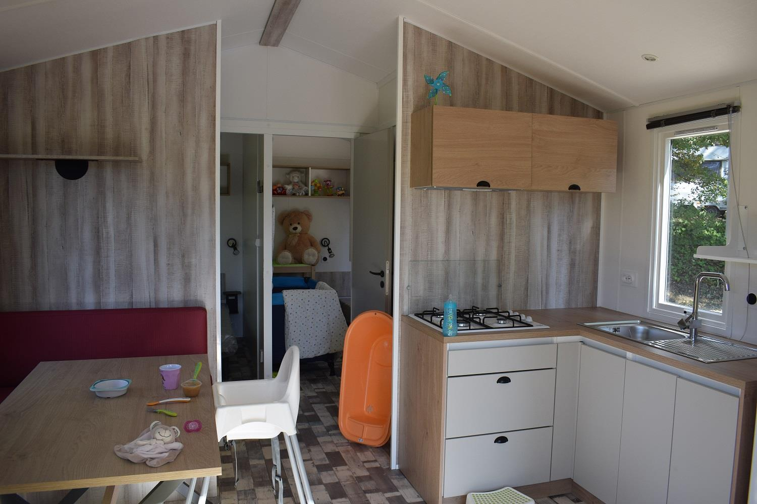 Accommodation - Mobil Home 2 Rooms 24M² Baby Special, Air-Conditioning, Covered Terrace - Domaine la Garenne