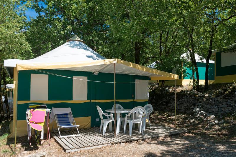 Location - Bungalow Toilé Sans Sanitaires 2 Chambres - Campéole Le Platin