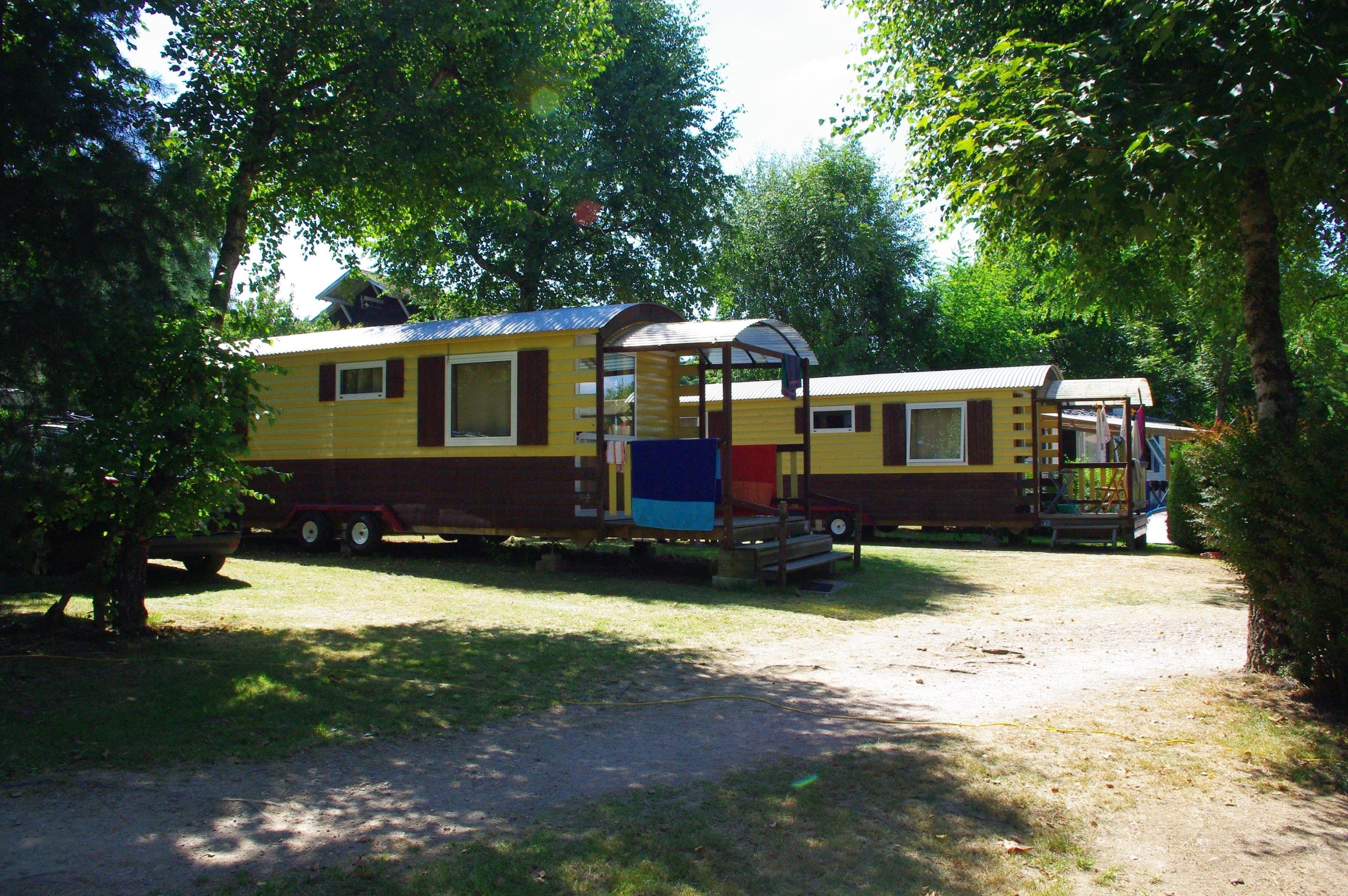 Camping les Deux Pins, Anould, Vosges