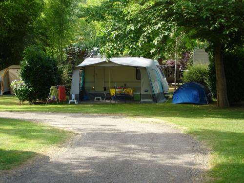 Emplacement - Emplacement Avec Électricité - Camping Le Tiradou