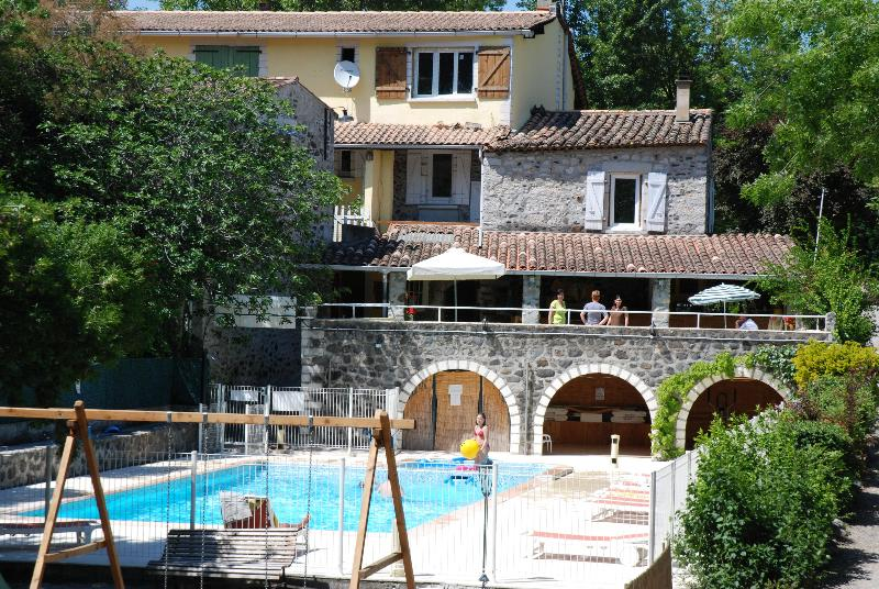 Establishment Camping Les Rives D'auzon - Lavilledieu