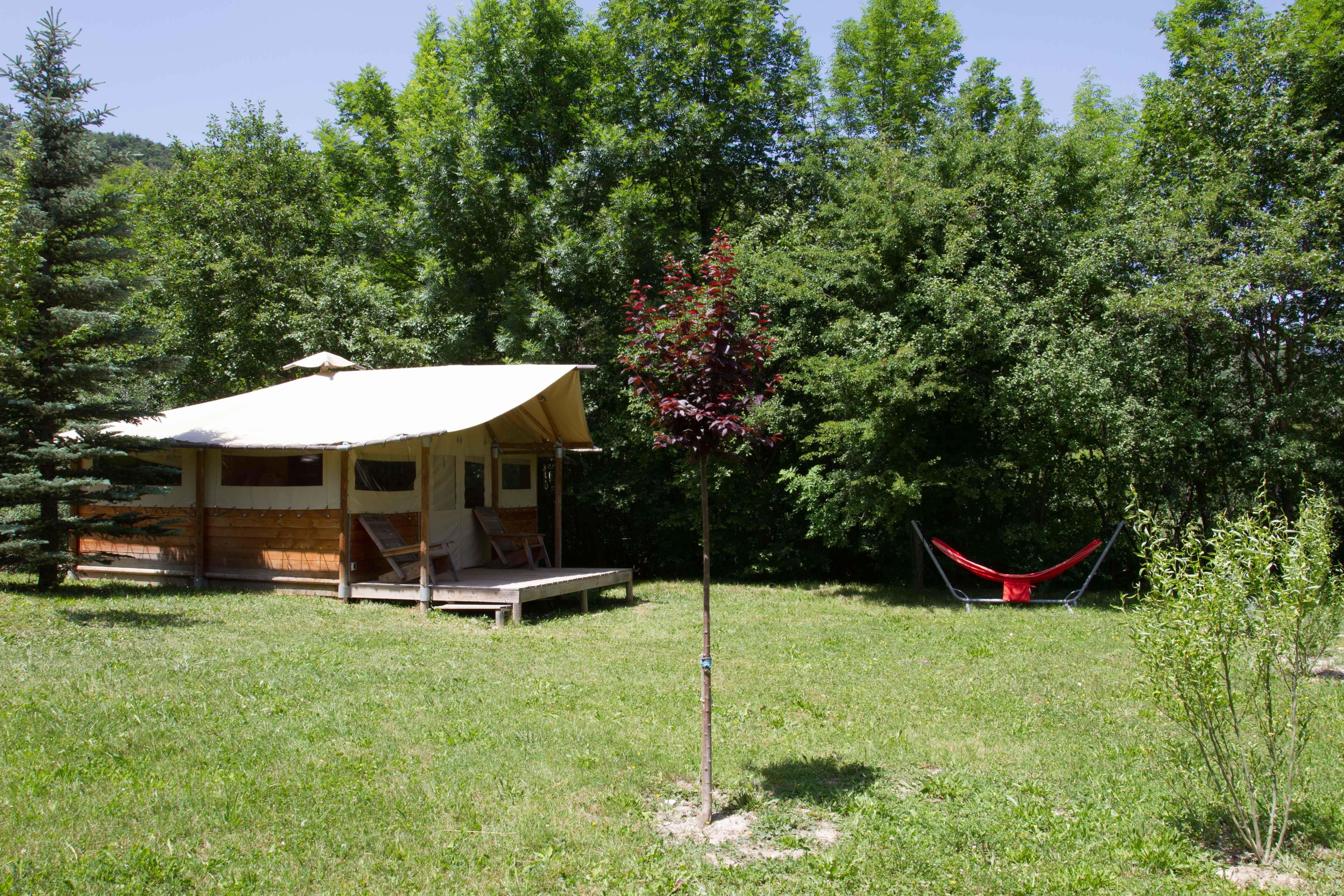 Camping les Rives du Lac, Veynes, Hautes-Alpes