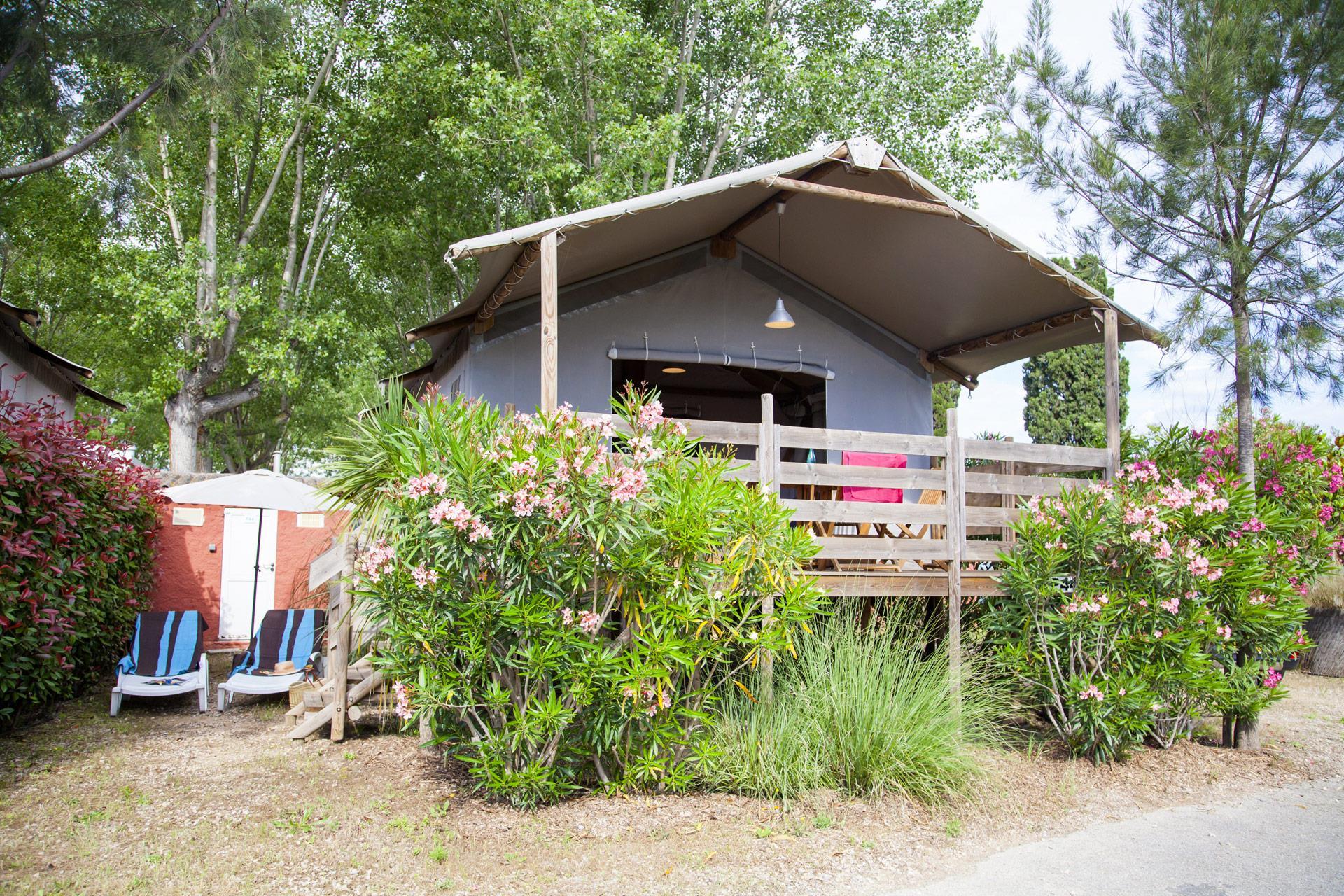 Location - Lodge Pilotis 2 Chambres** - Camping Sandaya Riviera d'Azur