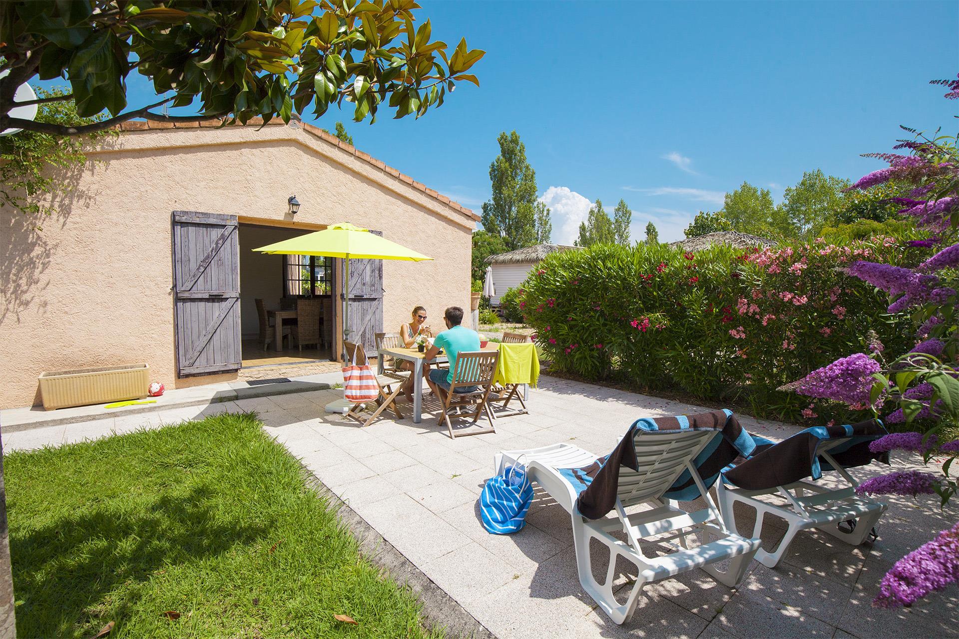 Location - Villa Tropicale 2 Chambres **** - Camping Sandaya Riviera d'Azur